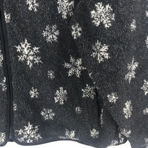 Eddie Bauer Jackets & Coats - EDDIE BAUER XL GREY FLEECE WITH WHITE SNOWFLAKES